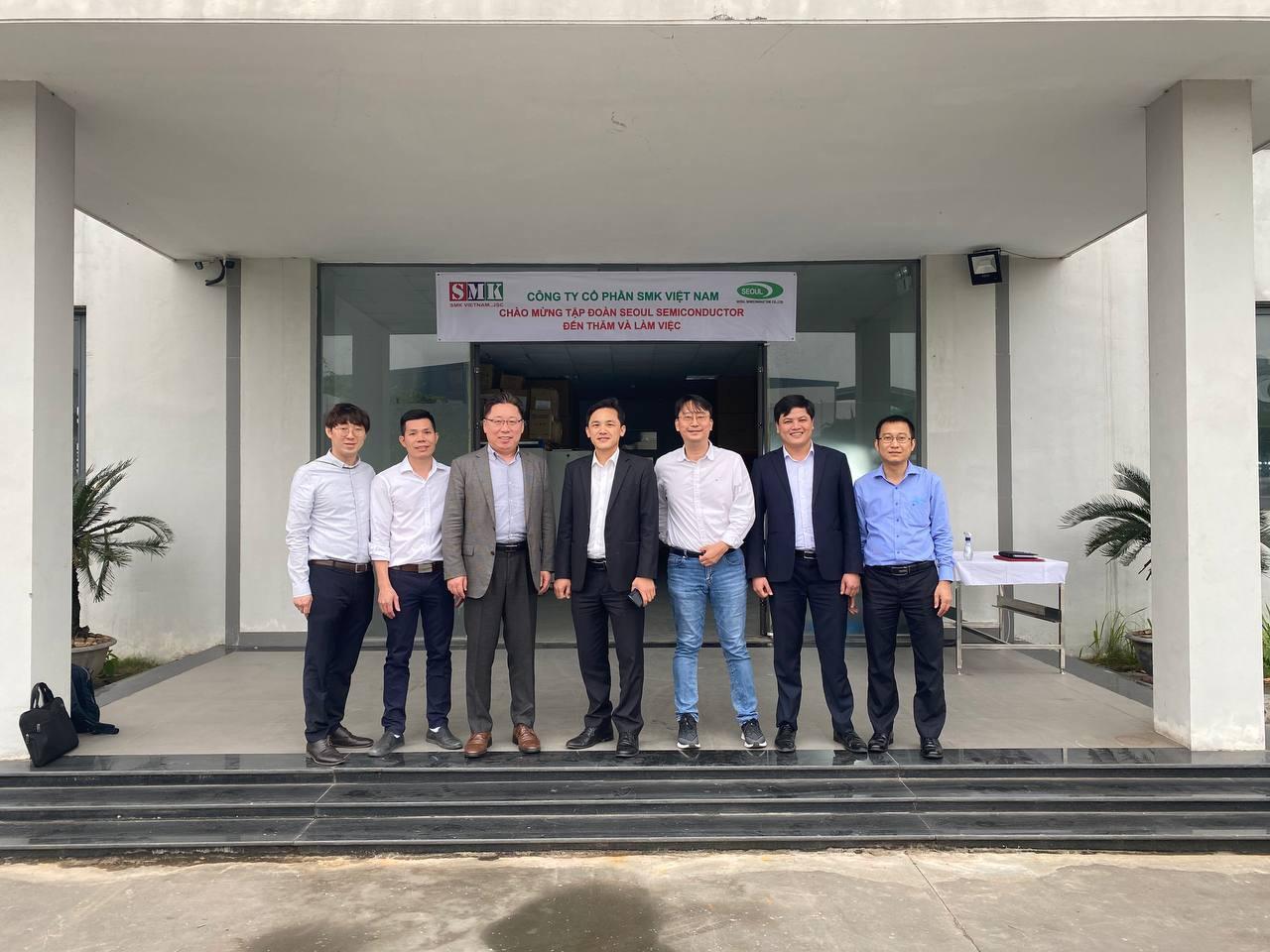 Tập đoàn Seoul Semiconductor đến thăm nhà máy SMK Việt Nam