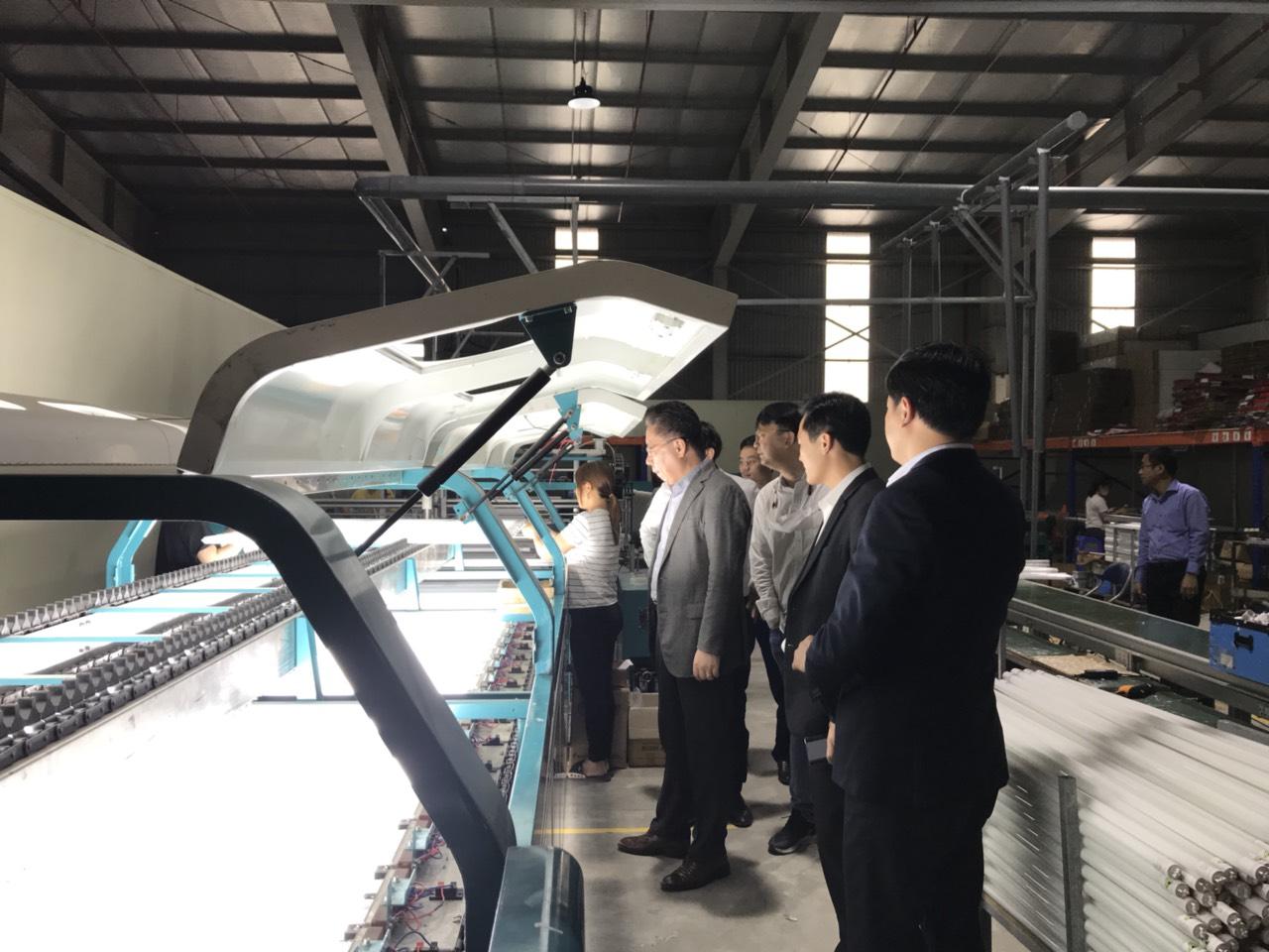 Dây chuyền sản xuất tuýp led cao cấp của SMK Việt Nam